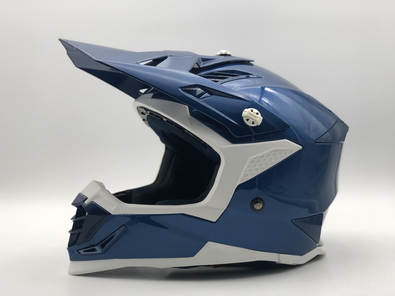 Off-road helmets SC16